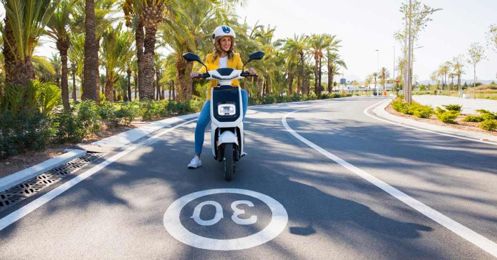 conducir moto electrica valencia