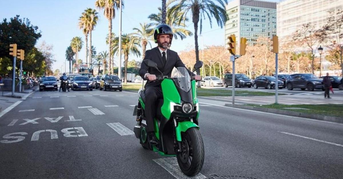 ¿Puedo probar una moto eléctrica antes de comprarla? ¿Y dónde puedo hacerlo?