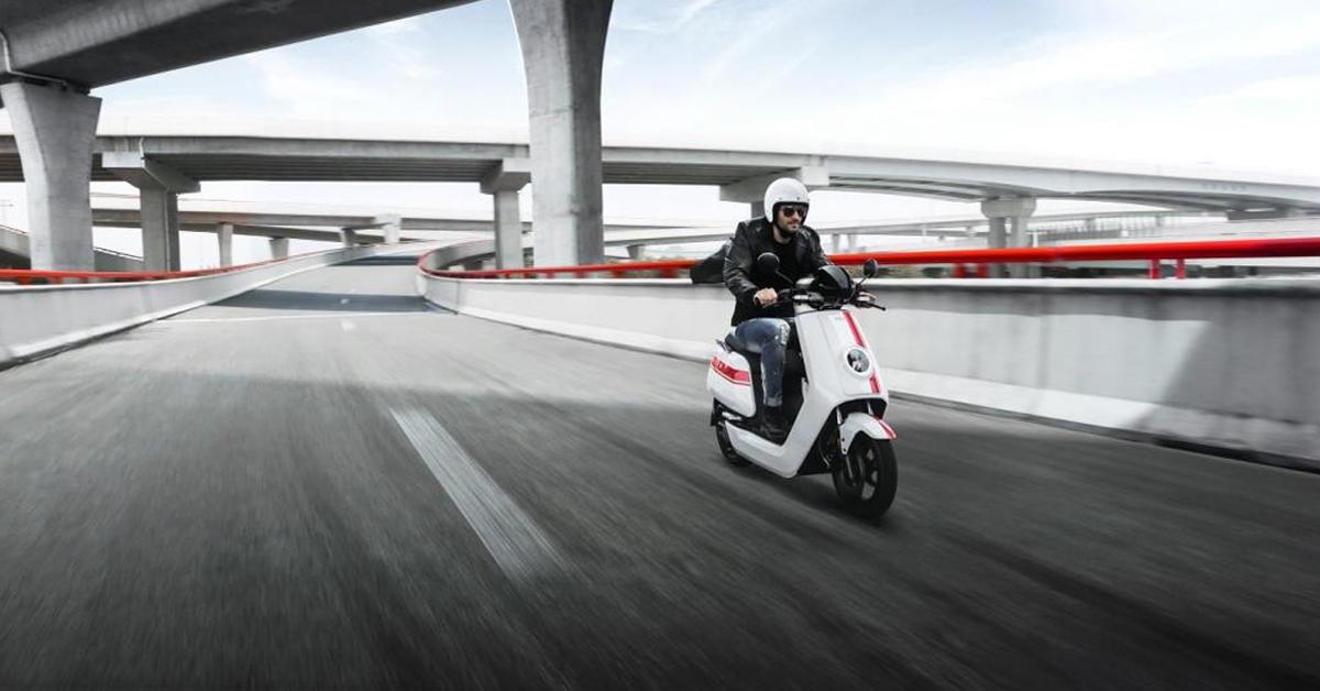 seguros y permisos motos electricas